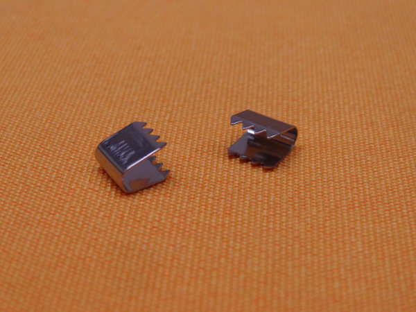 Kordelklammer Metall 7,5 mm mit Widerhaken